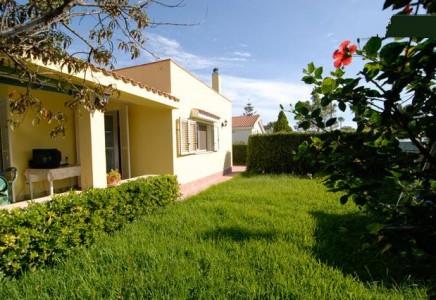 Villetta indipendente casa vacanze syrakus immobiliare for Piani casa cottage shotgun